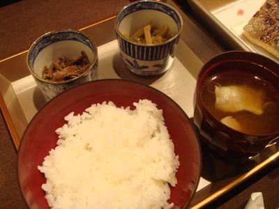 05_先付:薇信田煮・きんぴら・ご飯・豚汁.jpg