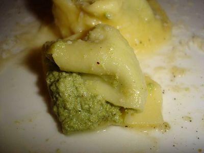 """04_リコッタチーズとマスカルポーネとほうれん草を包んだ""""トルテッリ""""をバターとパルミジャーノで.JPG"""