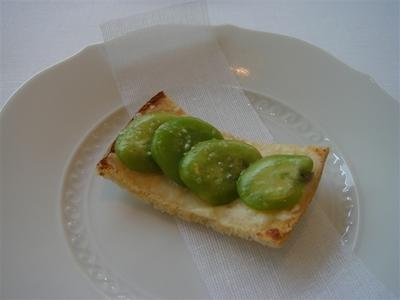 02_そら豆とペコリーノ・ロマーノのクロスティーニ.jpg