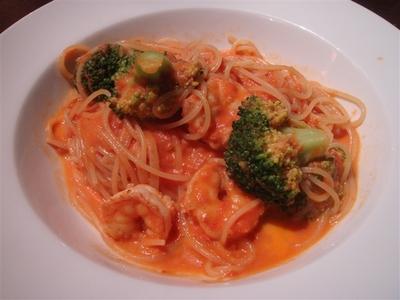 06_海老とブロッコリーのトマトクリームスパゲッティ.jpg