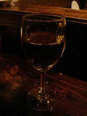 01_グラスワイン_ビアンコ・サレント.jpg