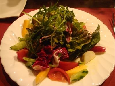 01_うえのはらハーブガーデンとエコフノーム浅野の有機野菜のサラダ.jpg