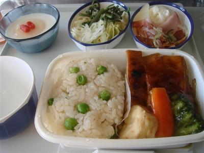 機内食・01・鶏の照り焼き.jpg