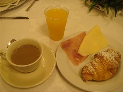 01・ホテルの朝食.jpg