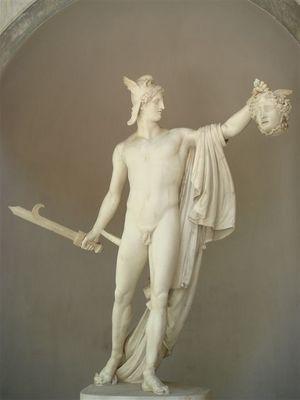029・ピオ・クレメンティーノ美術館・カノーヴァのペルセウスの像.jpg