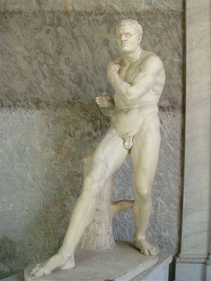 031・ピオ・クレメンティーノ美術館・ペルセウスの右の像.jpg