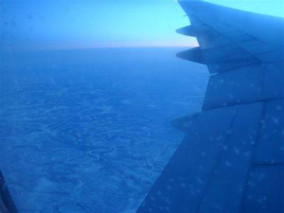 03・機内からの景色・サンクト・ペテルブルグを過ぎた辺り.jpg