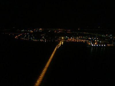 11・ヴェネツィアのマルコ・ポーロ空港へ向けて低空飛行.jpg