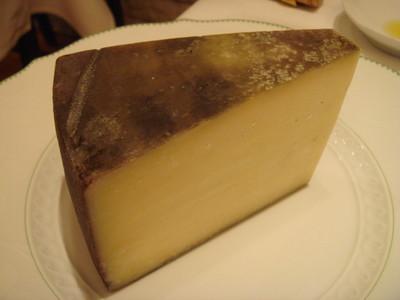 21_チーズ・ぶどうの搾りカス・バヨンテ.jpg