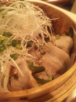 03_豚肉と野菜の梅肉ソース重ね蒸し.jpg